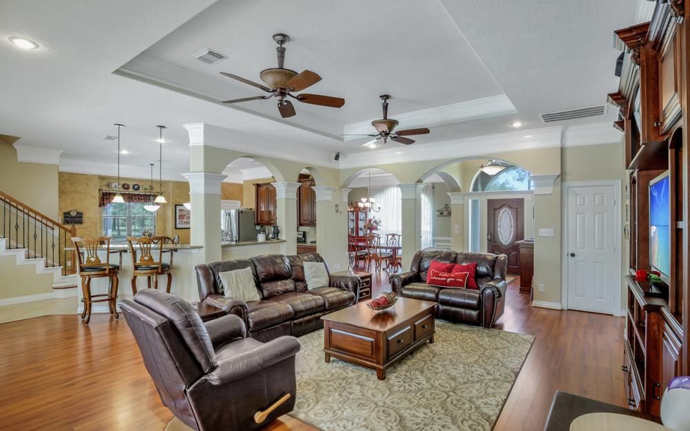 1738 Hillhouse Rd, Pearland - Home For Sale 700874857