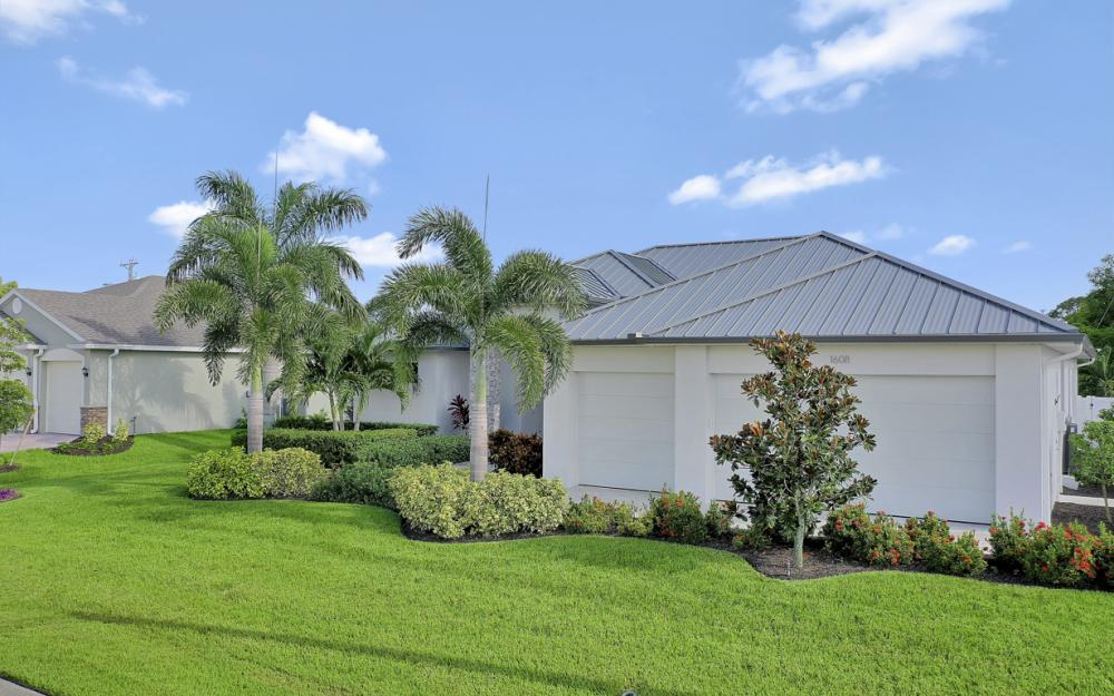 1608 Beach Pkwy W, Cape Coral - Home For Sale 920865456