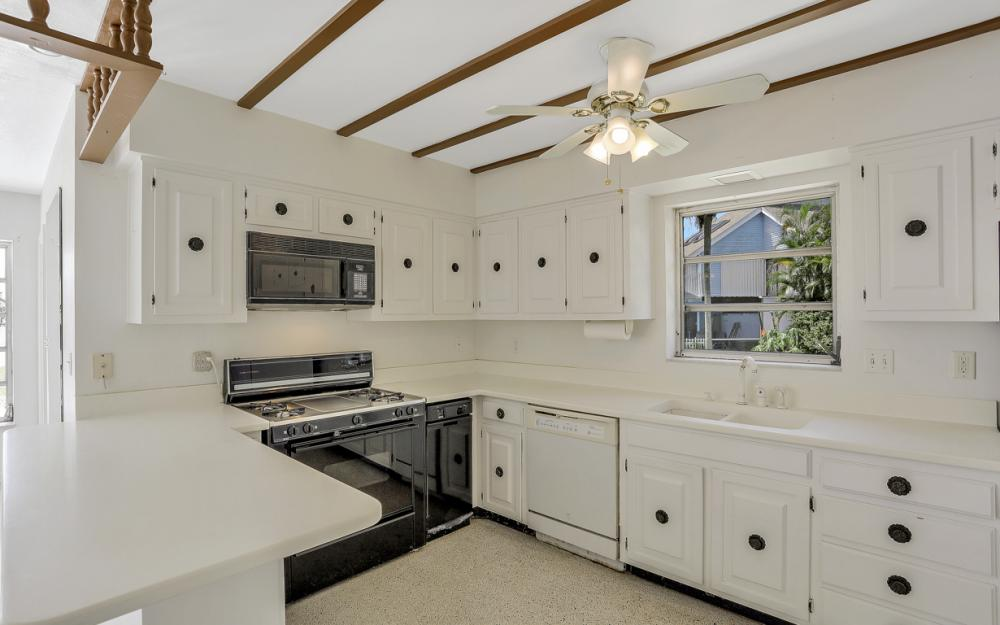 1373 N Collier Blvd, Marco Island - Home For Sale 1275994250