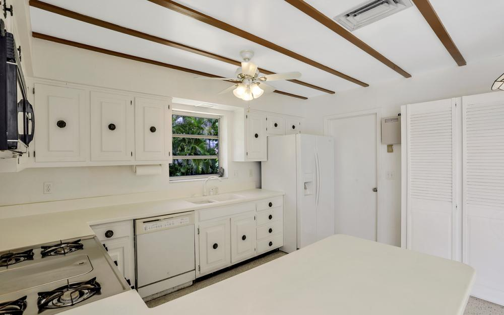 1373 N Collier Blvd, Marco Island - Home For Sale 1746668276