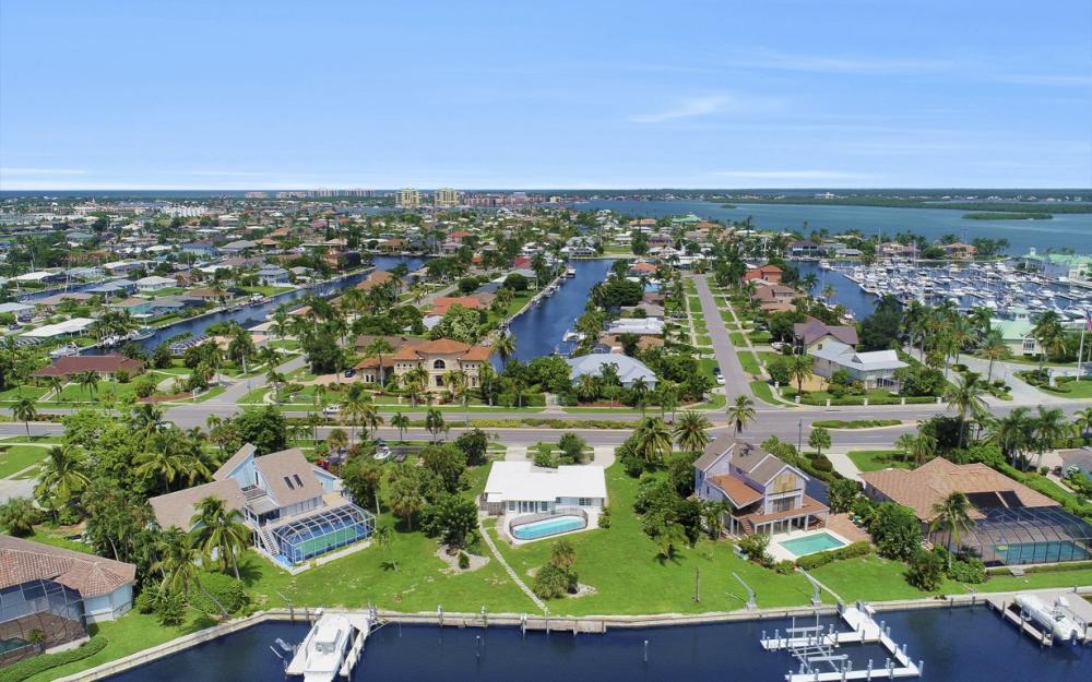 1373 N Collier Blvd, Marco Island - Home For Sale 935512036