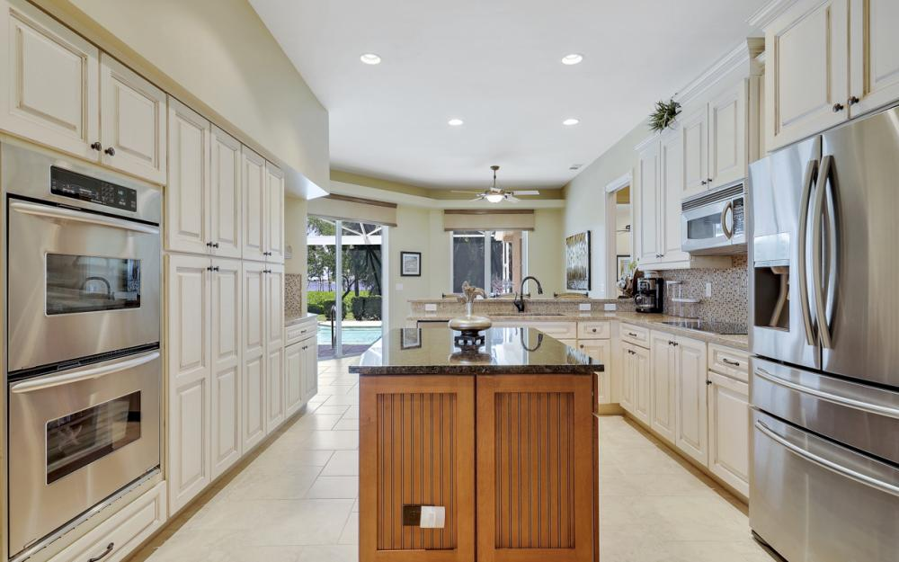 12520 Marina Club Dr, Fort Myers - Home For Sale 1316708604