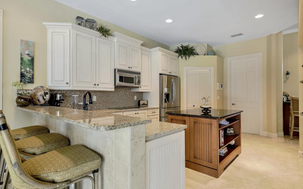 12520 Marina Club Dr, Fort Myers - Home For Sale 1737522292