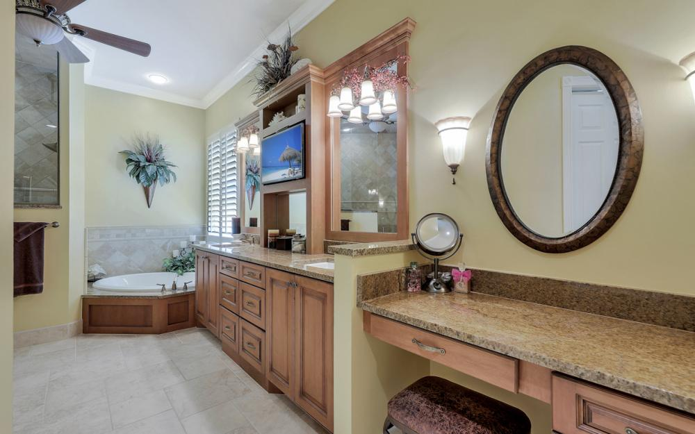 12520 Marina Club Dr, Fort Myers - Home For Sale 1458221653