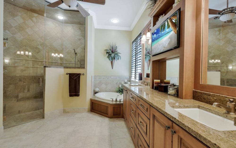 12520 Marina Club Dr, Fort Myers - Home For Sale 1519342533