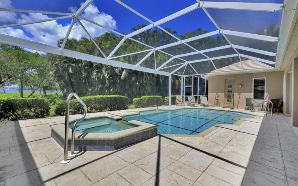 12520 Marina Club Dr, Fort Myers - Home For Sale 2022236663