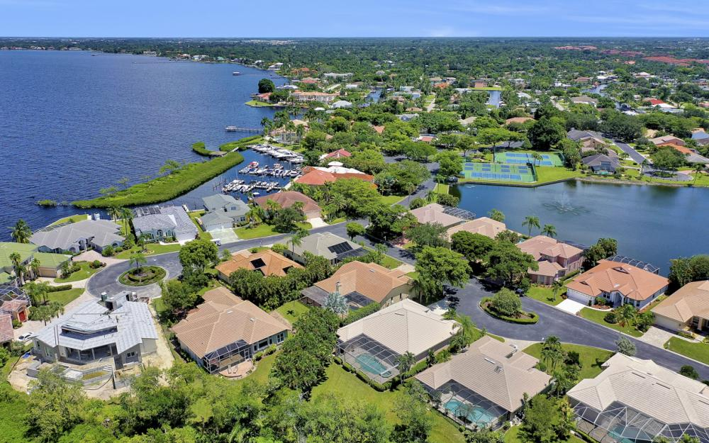12520 Marina Club Dr, Fort Myers - Home For Sale 226303653