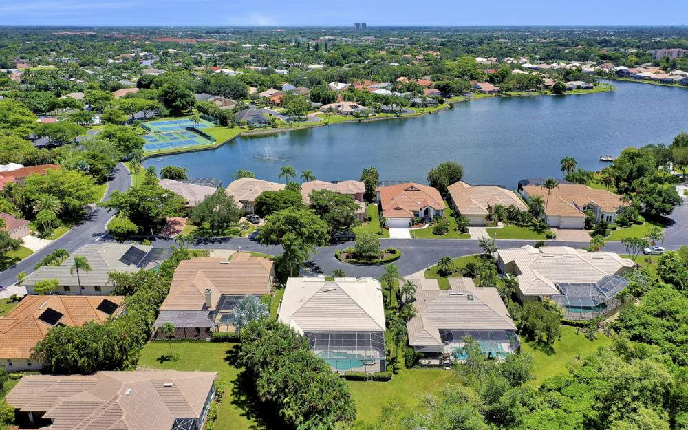 12520 Marina Club Dr, Fort Myers - Home For Sale 102583367