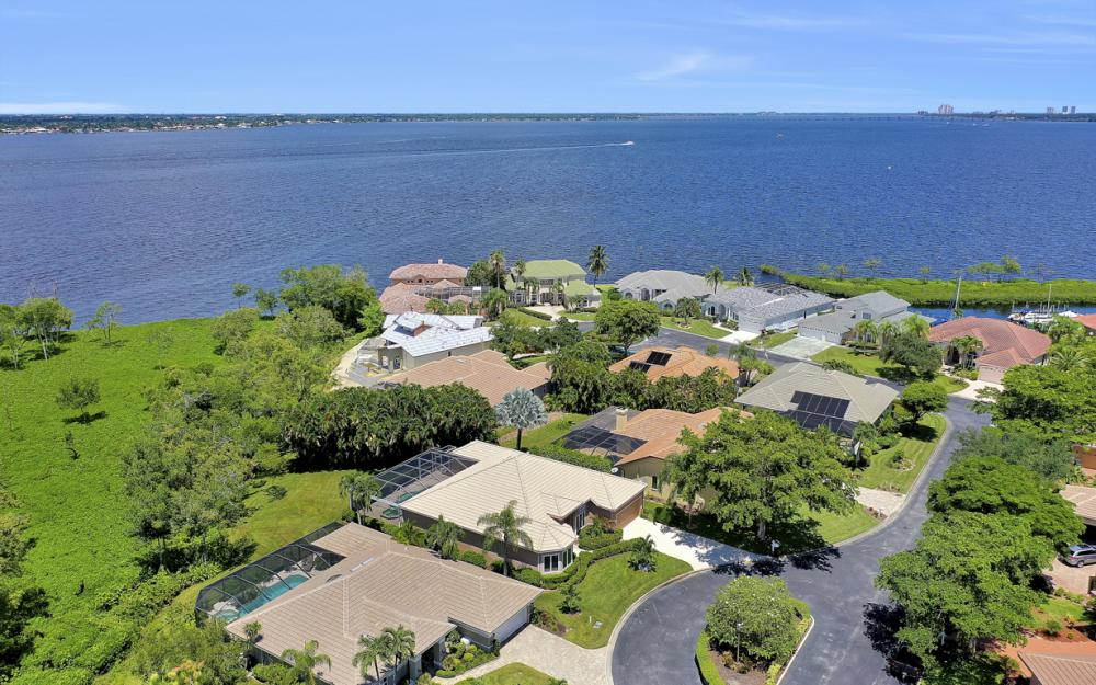 12520 Marina Club Dr, Fort Myers - Home For Sale 217690411