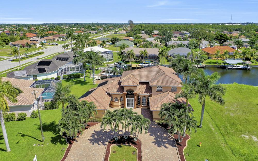 2409 SW 40th St, Cape Coral - Home For Sale 1639235513