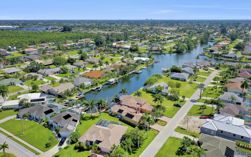 2409 SW 40th St, Cape Coral - Home For Sale 1569682501