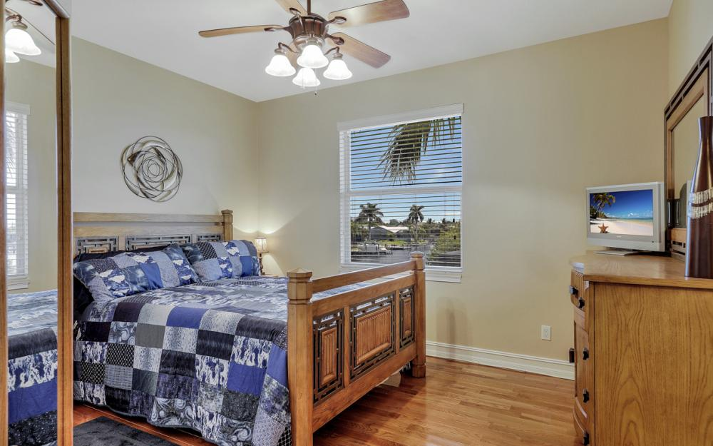 2409 SW 40th St, Cape Coral - Home For Sale 1826100025