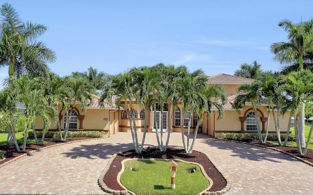 2409 SW 40th St, Cape Coral - Home For Sale 1767872705
