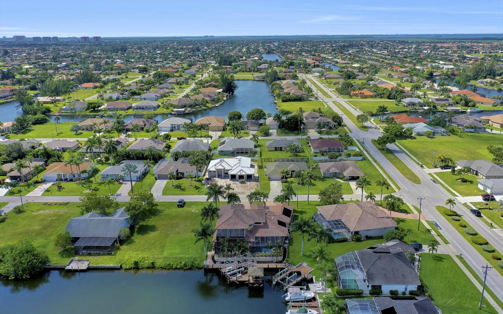 2409 SW 40th St, Cape Coral - Home For Sale 1316606