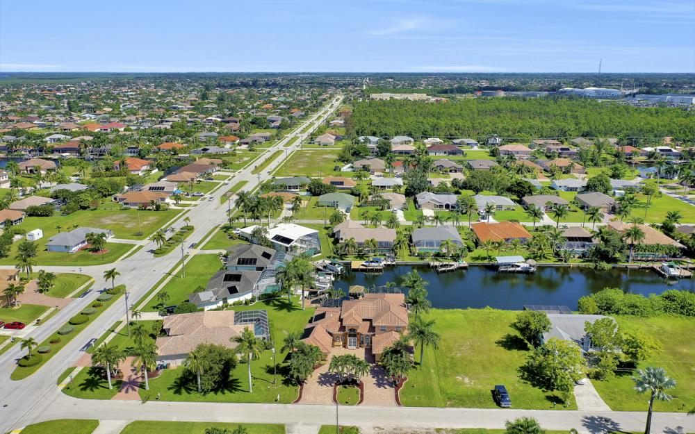 2409 SW 40th St, Cape Coral - Home For Sale 1637679797