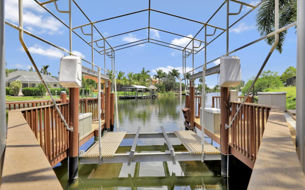 2409 SW 40th St, Cape Coral - Home For Sale 1089042590