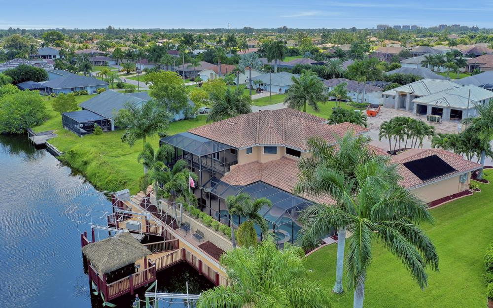 2409 SW 40th St, Cape Coral - Home For Sale 735510257