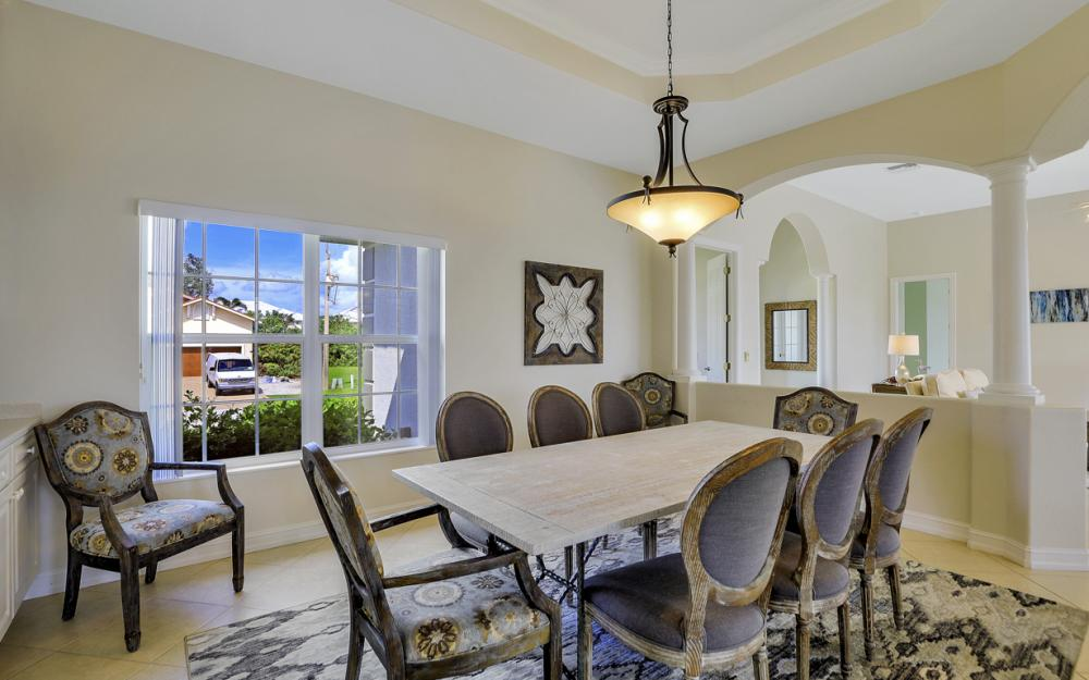 551 Fieldstone Dr, Marco Island - Home For Sale 2077755528