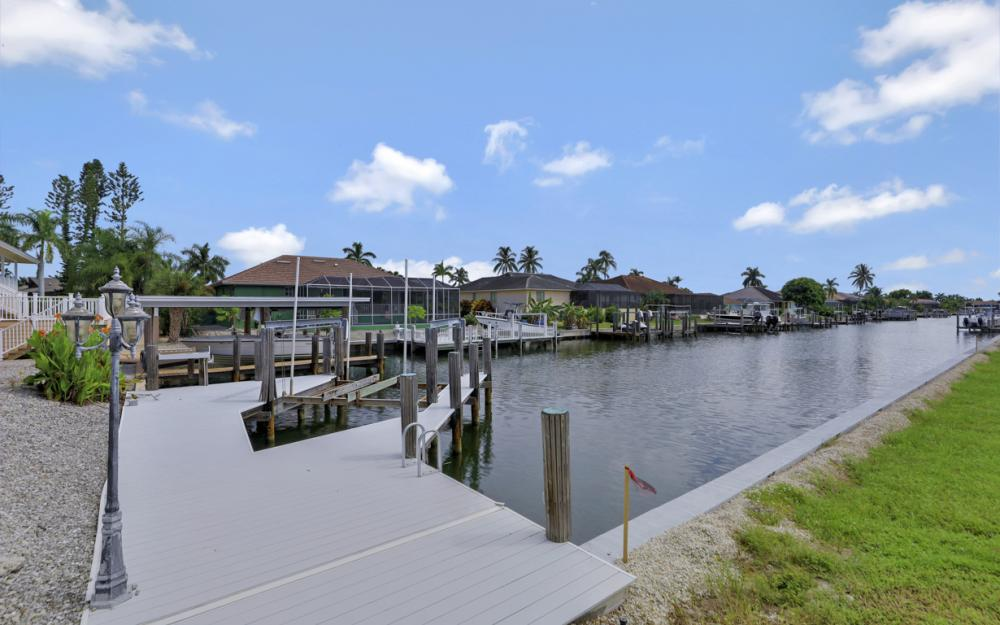 551 Fieldstone Dr, Marco Island - Home For Sale 589848065