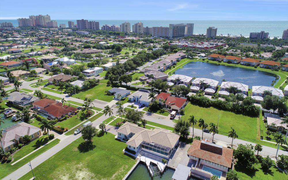 551 Fieldstone Dr, Marco Island - Home For Sale 207908700