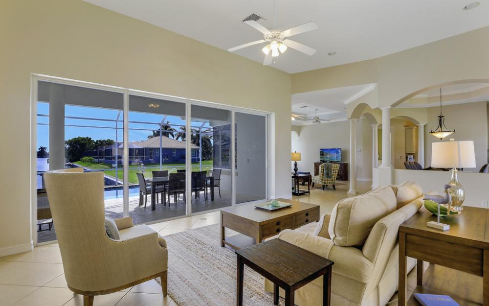551 Fieldstone Dr, Marco Island - Home For Sale 1062062219