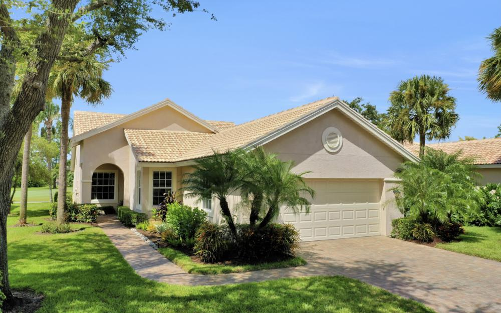 13571 Southampton Dr, Bonita Springs - Home For Sale 214319797