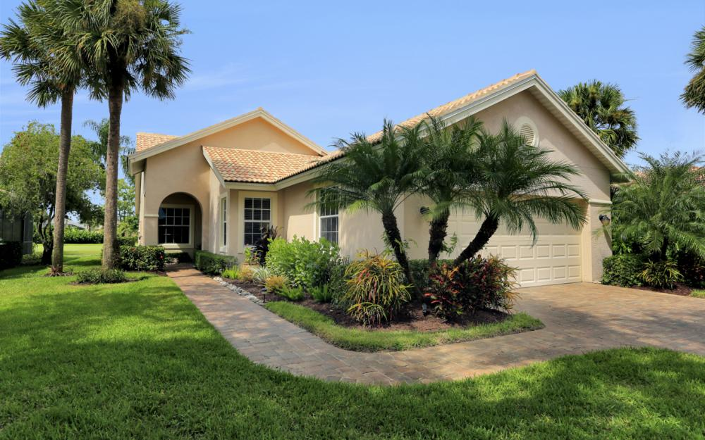 13571 Southampton Dr, Bonita Springs - Home For Sale 1029875032