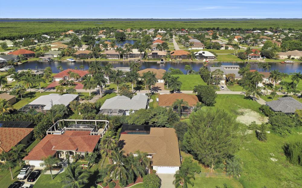 5404 SW 25th Ct, Cape Coral - Home For Sale 528452497