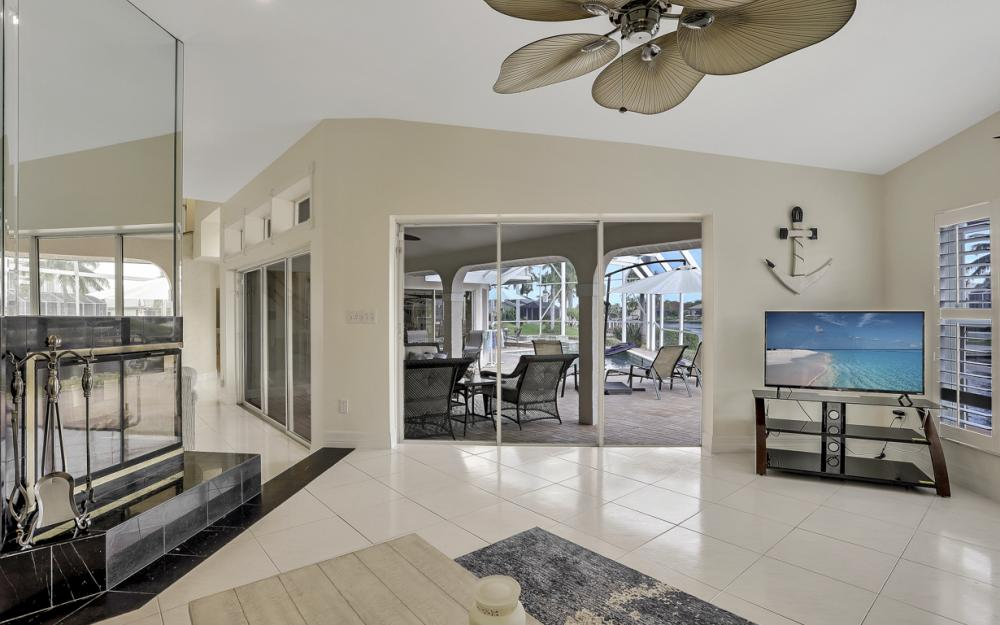 1401 SW 53rd Ln, Cape Coral - Vacation Rental 586805863