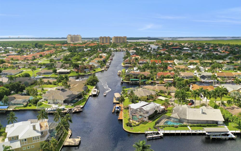 1401 SW 53rd Ln, Cape Coral - Vacation Rental 941748030