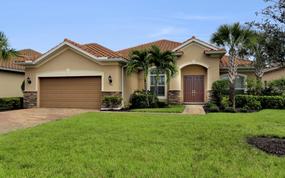 9303 Fieldstone Ln, Naples - Home For Sale 1885832062