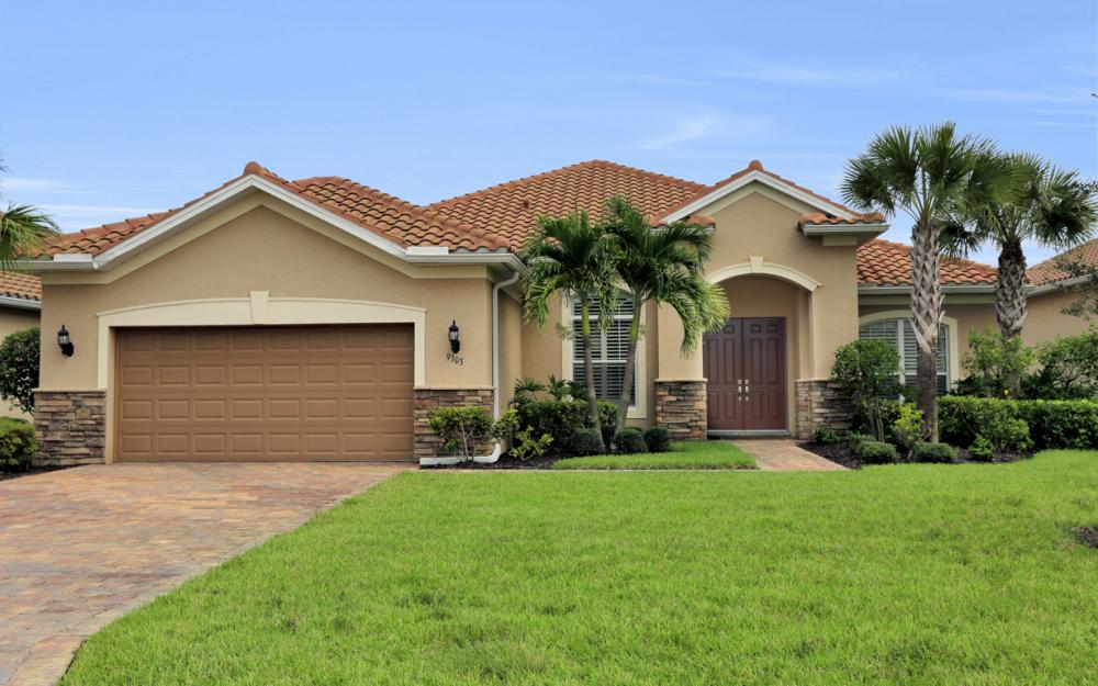 9303 Fieldstone Ln, Naples - Home For Sale 1949321412