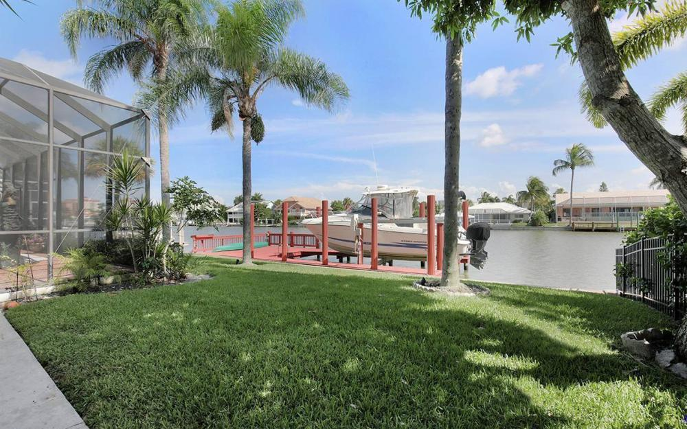 383 Seabee Ave, Naples - House For Sale 1019894952