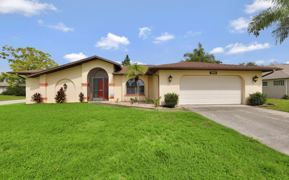 1319 SE 21st Ave, Cape Coral - Home For Sale 916518102
