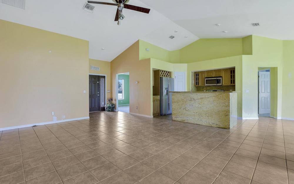 3506 SW 1st Ave, Cape Coral - Home For Sale 672980994
