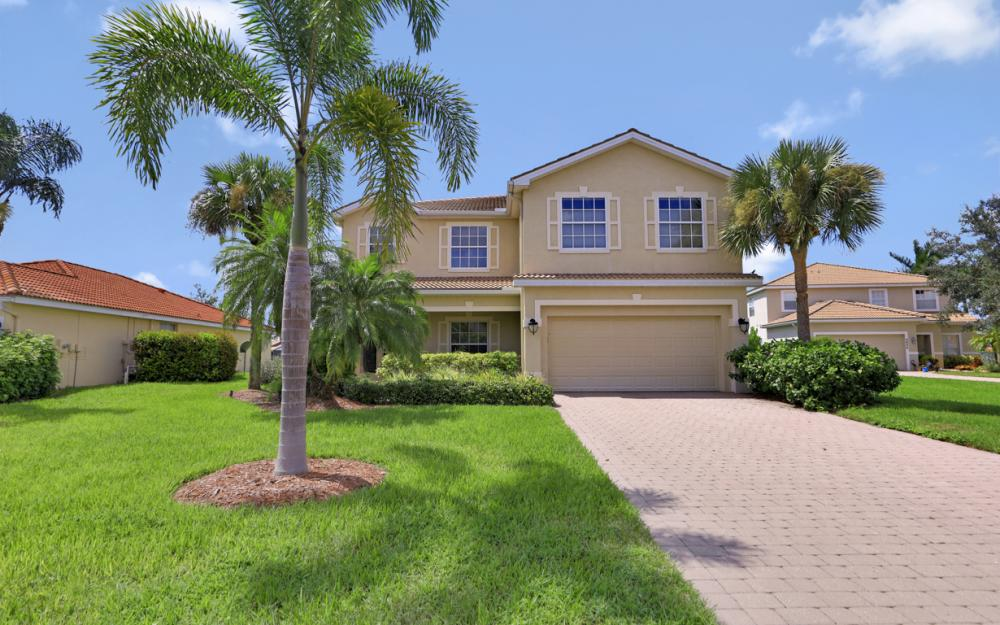 2809 Amberwood Ln, Naples - Home For Sale 84808123