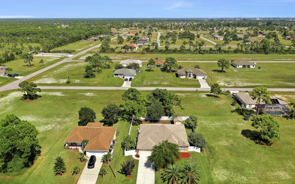 2833 NW 27th Pl, Cape Coral - Home For Sale 986997590