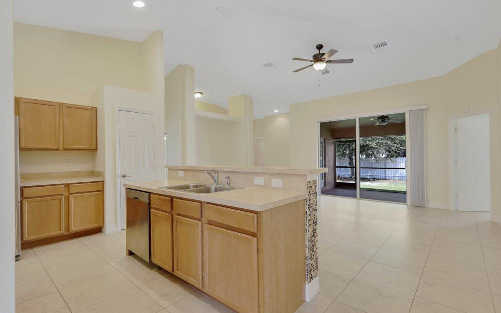 2833 NW 27th Pl, Cape Coral - Home For Sale 1422990585