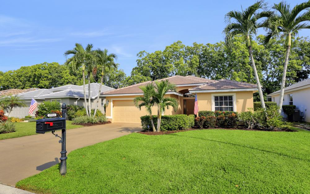 25510 Springtide Ct, Bonita Springs - Home For Sale 33087966