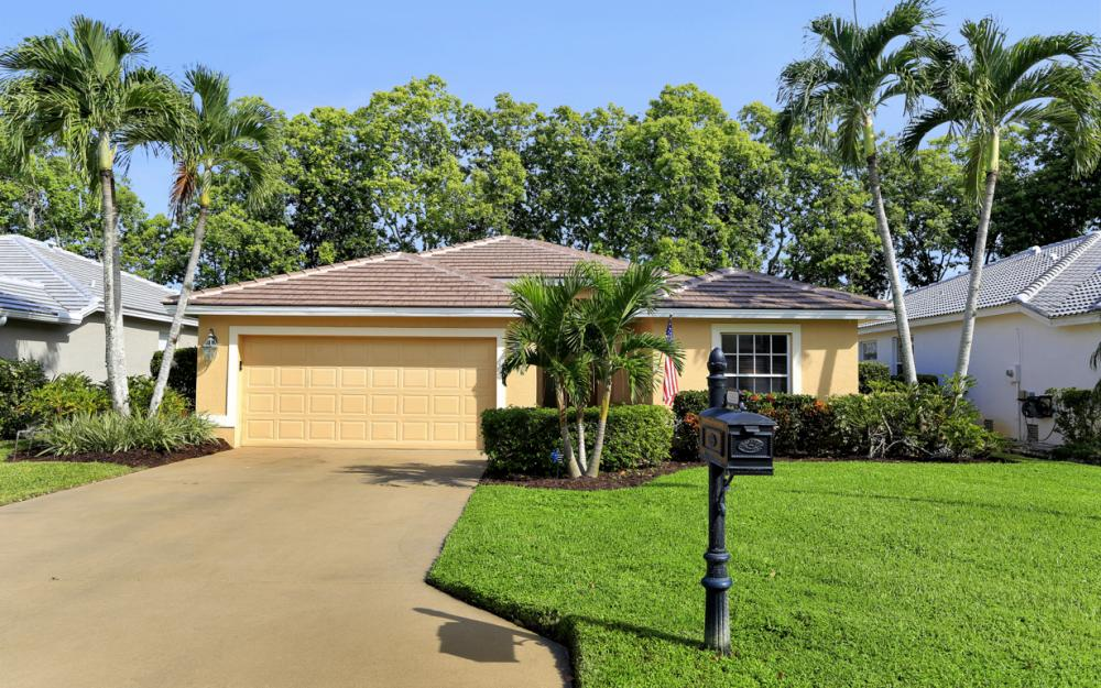 25510 Springtide Ct, Bonita Springs - Home For Sale 227180291
