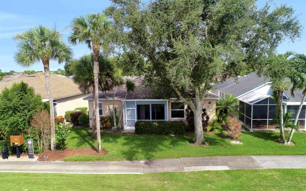 20860 Persimmon Pl, Estero - Home For Sale 952431545
