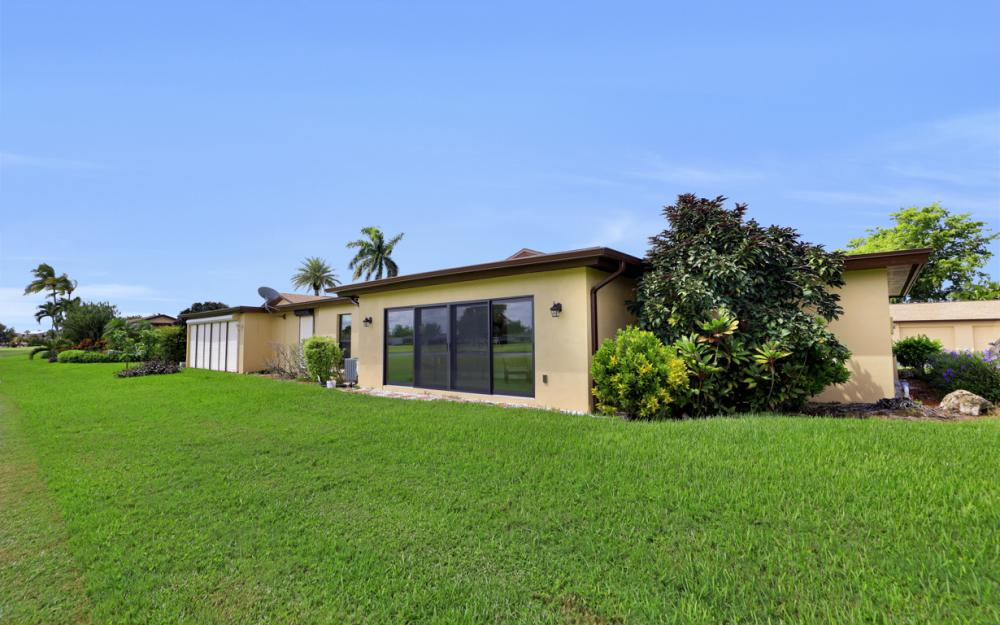 4175 Lakewood Blvd # E-9 Naples - Condo For Sale 86103545