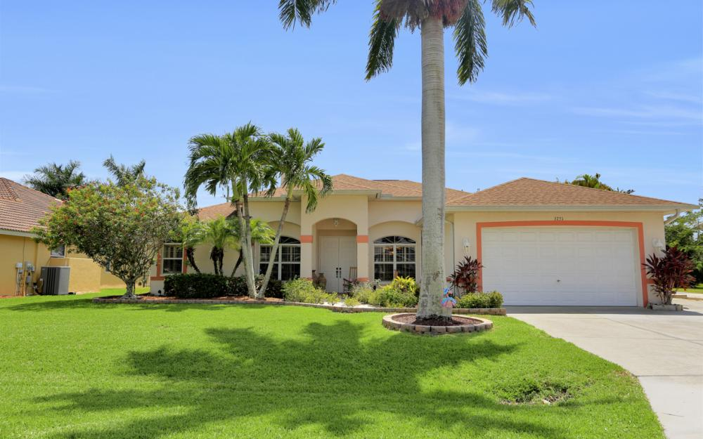 3751 Patty Ct, Bonita Springs - Home For Sale 1862036668