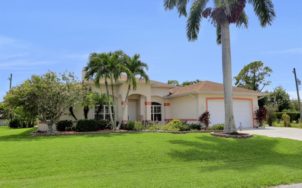 3751 Patty Ct, Bonita Springs - Home For Sale 433470790
