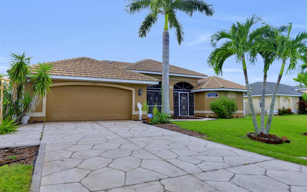 4907 Agualinda Blvd, Cape Coral - Home For Sale 1864900563