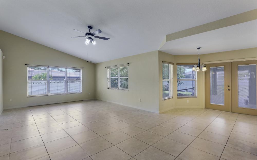 4907 Agualinda Blvd, Cape Coral - Home For Sale 733411369