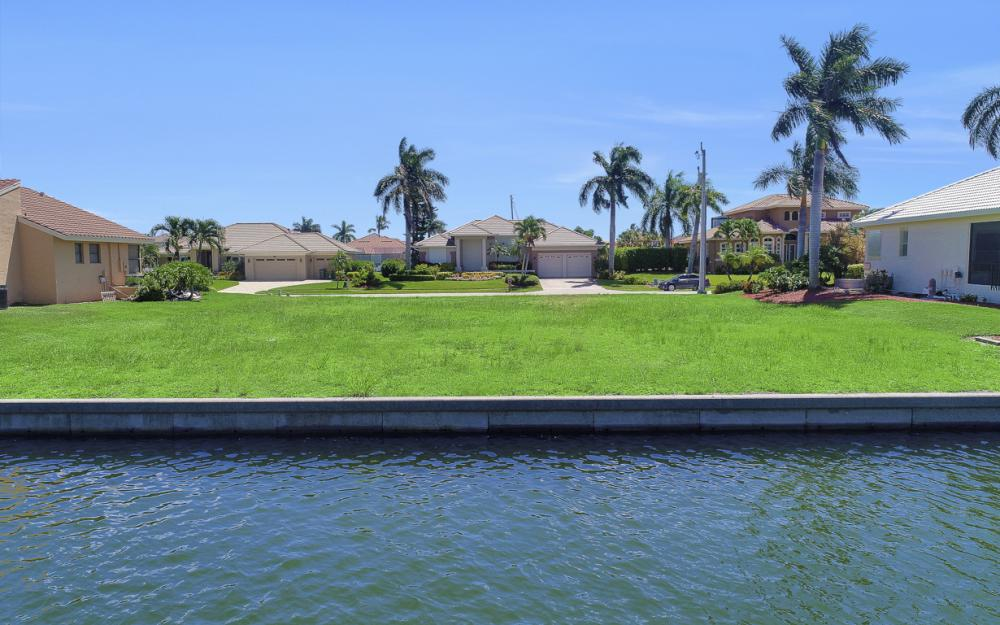 712 Plantation Ct, Marco Island - Lot For Sale 70594432