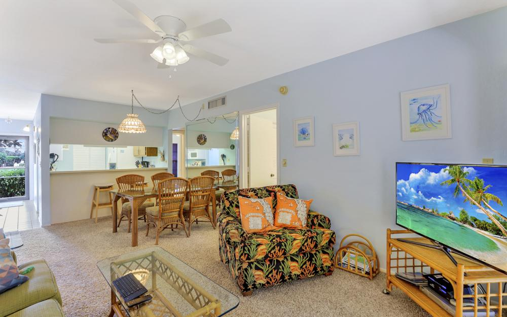14 Manor Ter #9-105, Marco Island - Vacation Rental 95639029