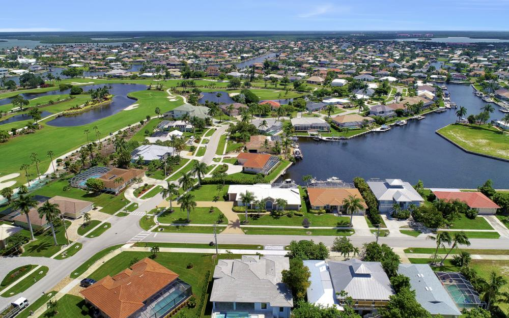 168 Greenview St, Marco Island - Home For Sale 872337786