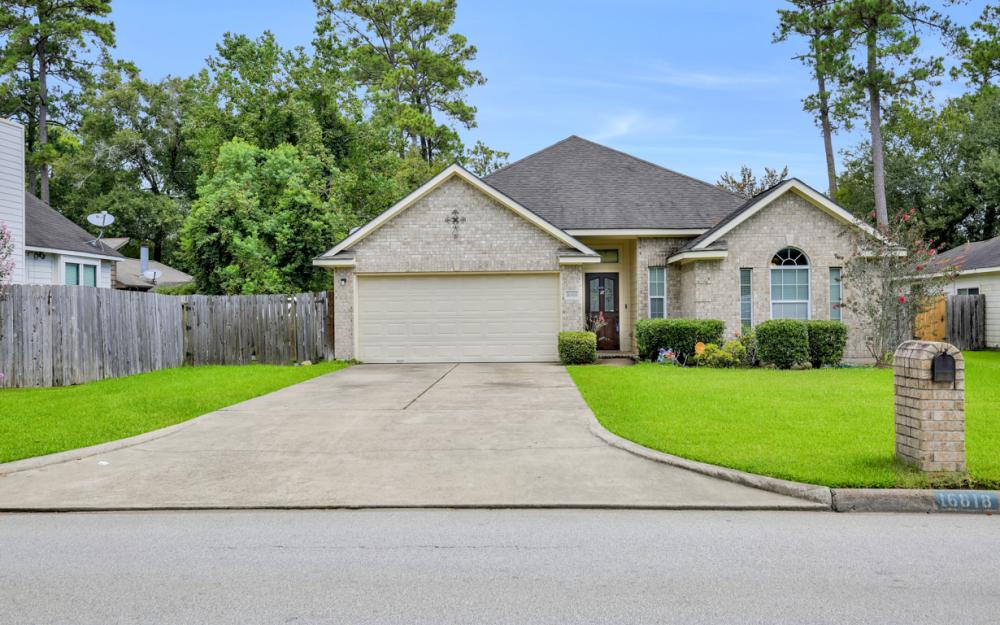 16818 Port O Call St, Crosby - Home For Sale 677175190